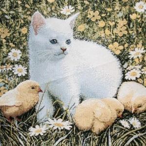 """Гобеленовый чехол на декоративную подушку """"Котик и цыплята"""""""